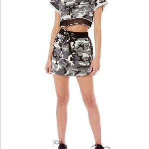 emma and sam camo skirt